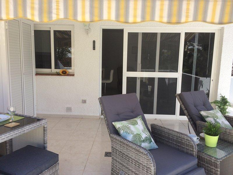 Exceptional one bed apartment,Los Gigantes,excellent location and serviced !, holiday rental in Acantilado de los Gigantes