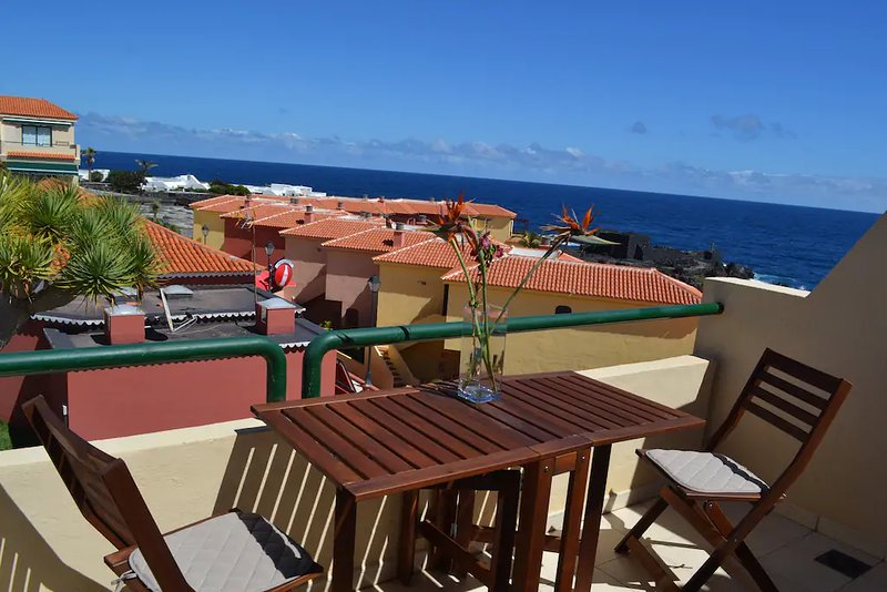 Nice apt with pool access & balcony, vacation rental in Playa De Los Cancajos