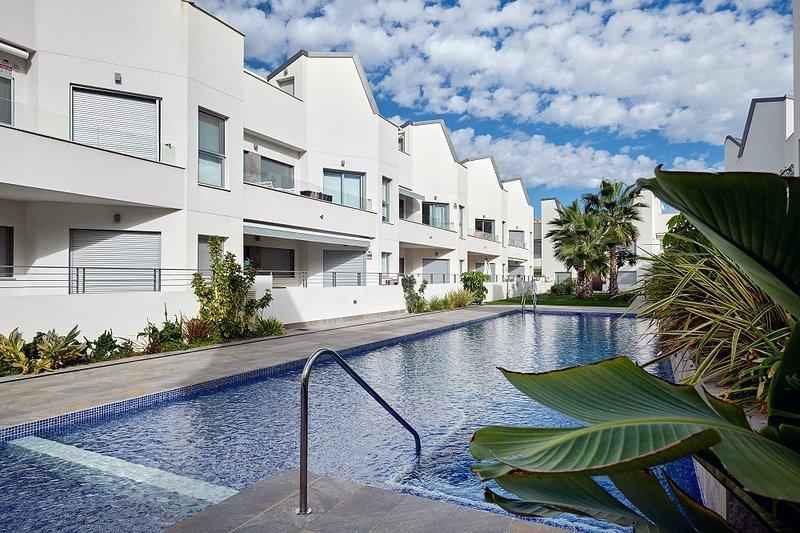 Garden Lounge, Villa Amalia Eco. No.59, vacation rental in Torrevieja