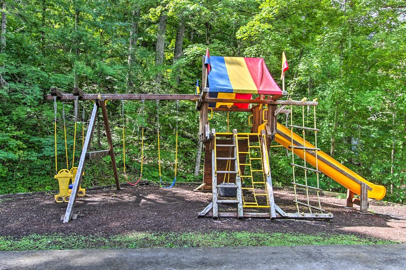 A los niños les encantará jugar en el columpio.