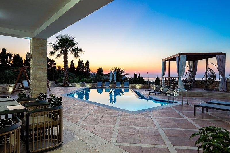 L'area esterna di 7.000 m2 di Alpha Villa è un bellissimo paesaggio.