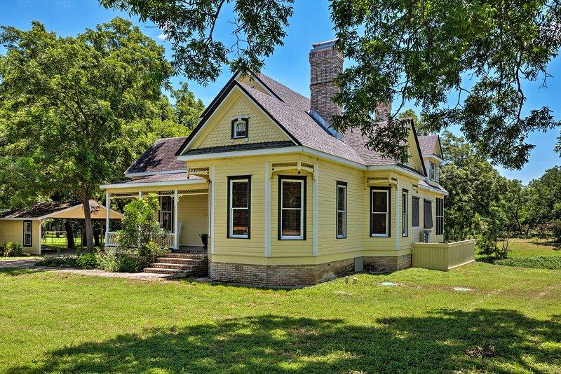 This unbeatable farmhouse promises a fantastic stay!