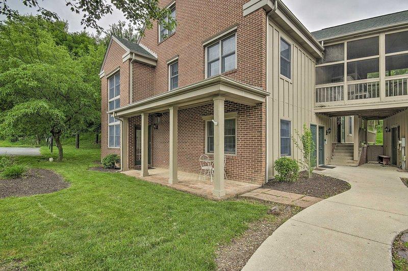 Spacious Mercersburg Home at Whitetail Resort, holiday rental in Fort Loudon