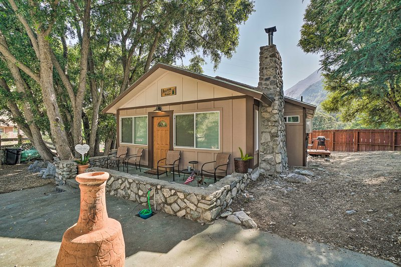 Cozy Cottage w/Grill - 5mi to Mt Baldy Resort, vacation rental in La Verne