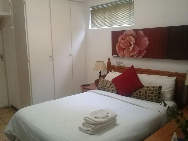 Black Olive Guesthouse Double Room 2, vacation rental in Centurion