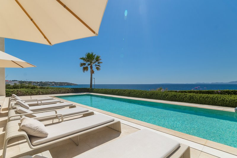 Son Veri Front Bay, Villa 5StarsHome Mallorca, holiday rental in Puig de Ros