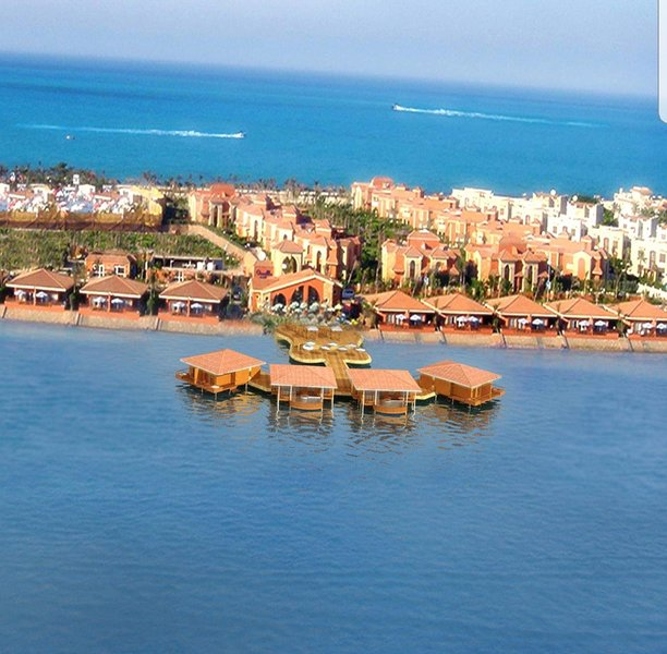 شاليه فاخر للايجار بمارينا ٧ العلمين ٤ غرف مكيف مجدد بالكامل يري البحر, holiday rental in Matrouh Governorate