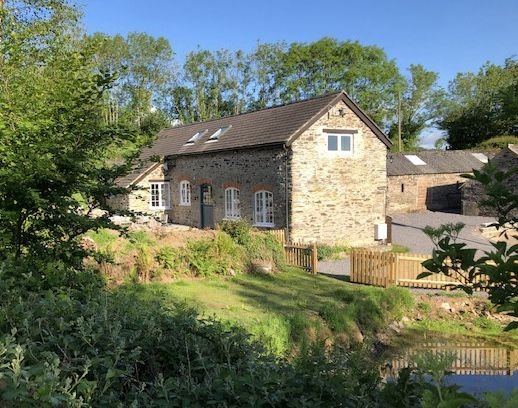 The Piggery, Dulverton - Detached stone barn, just a mile from Dulverton, sleeps, vacation rental in Winsford