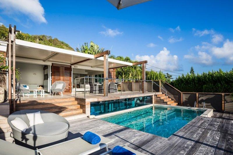 Villa La Magnifica | Ocean View - Located in Tropical Deve with Private Pool, location de vacances à Marigot