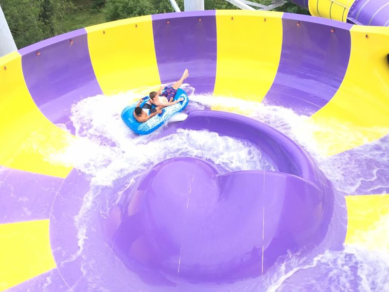 The Country Place Resort Home of Zoom Flume Water park, vacation rental in Oak Hill
