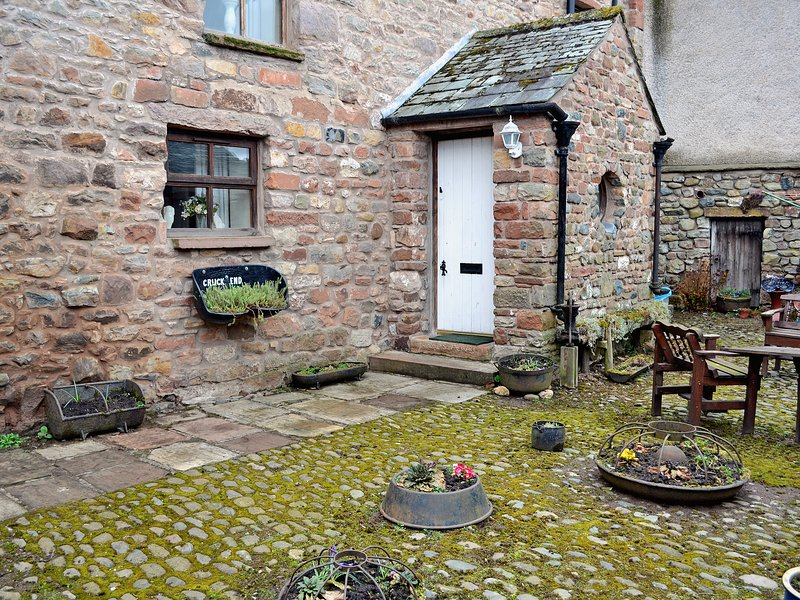 Cruck End - E3749, holiday rental in Maulds Meaburn