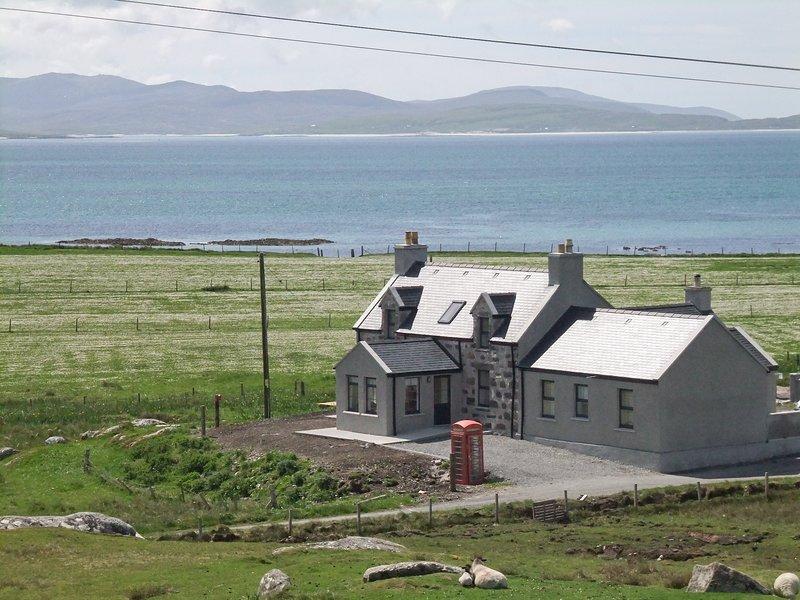 Kilbride Beach Cottage, casa vacanza a Castlebay
