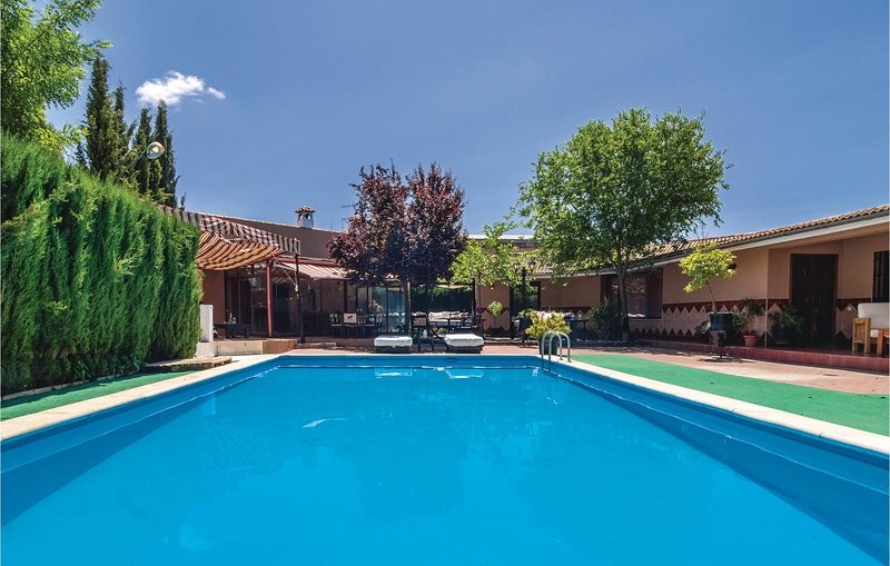 Nice home in Lucena with Outdoor swimming pool, WiFi and 3 Bedrooms (EAC355), holiday rental in Benameji