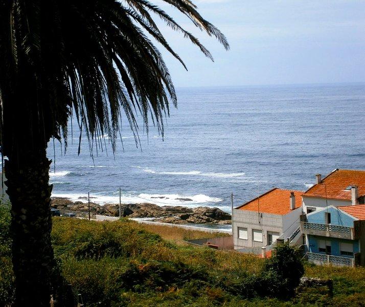 Nice apt with sea view & Wifi, holiday rental in Granxa