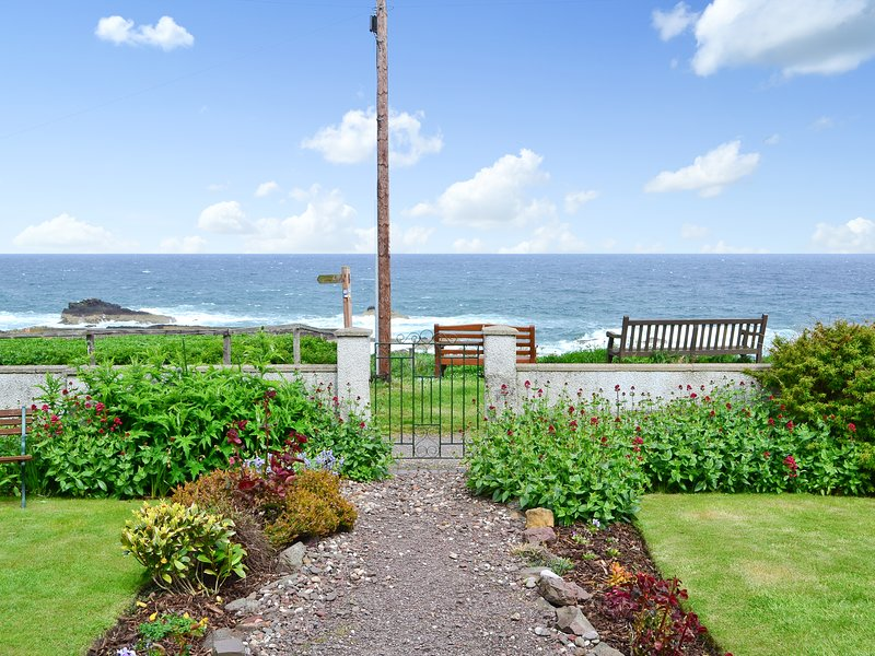 Roundhill Cottage, holiday rental in St Abbs