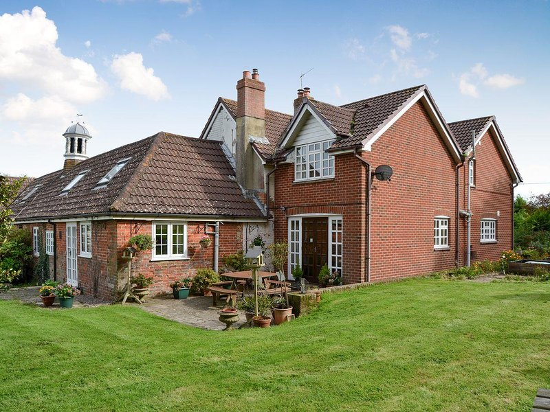 Grange Farm House, holiday rental in Newport