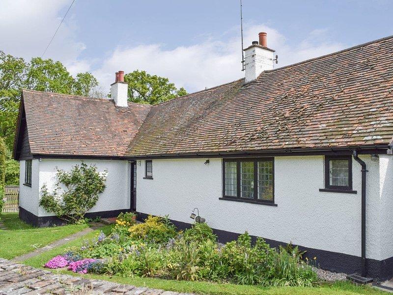 Kingshill Farm Cottage - 28270, location de vacances à Beaconsfield