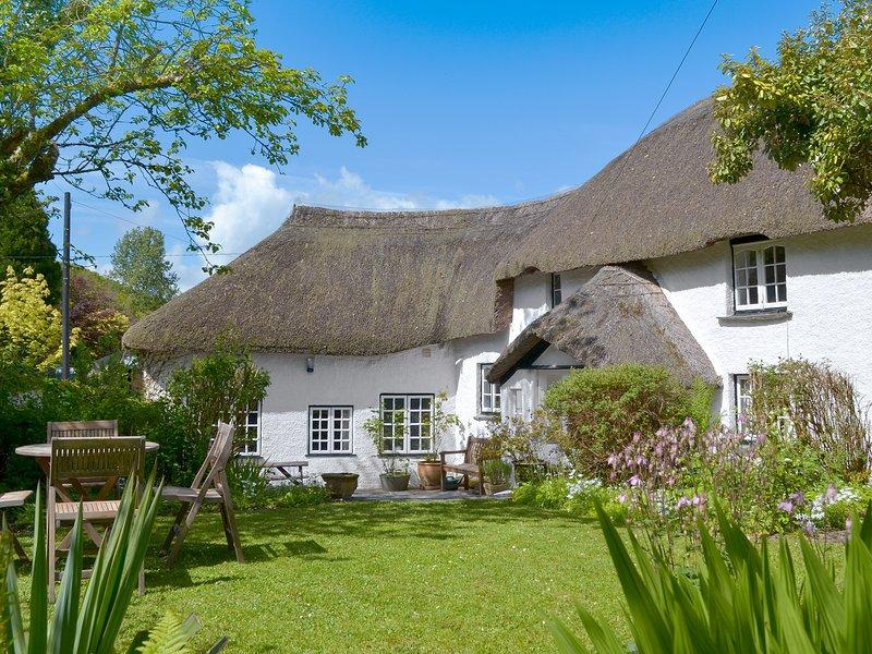 The Thatch Cottage, location de vacances à Lewannick