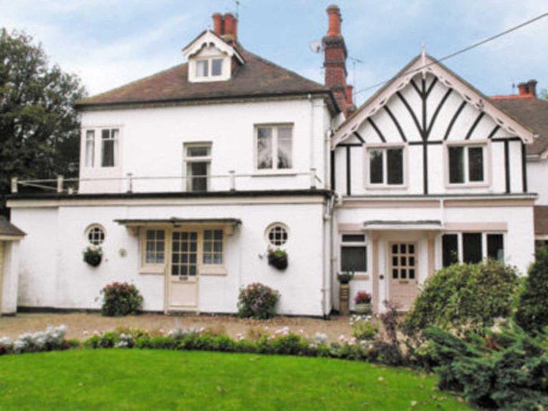 Ivy Cottage, holiday rental in Minster