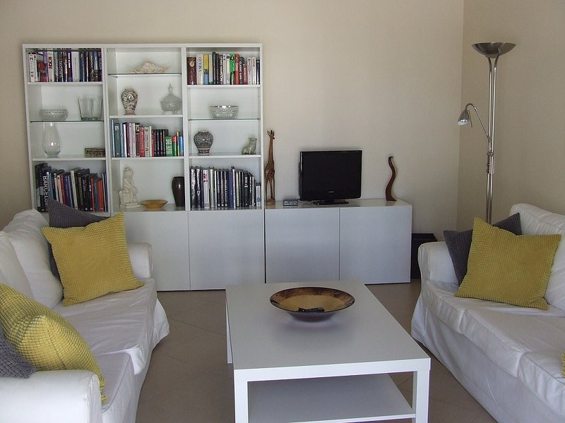 2 Bedroom Apartment - OP35102, holiday rental in Tavira