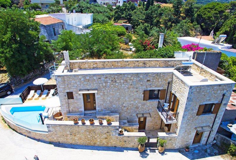 Stone built villa, Private pool, Near tavern & Mini Market, holiday rental in Gallos