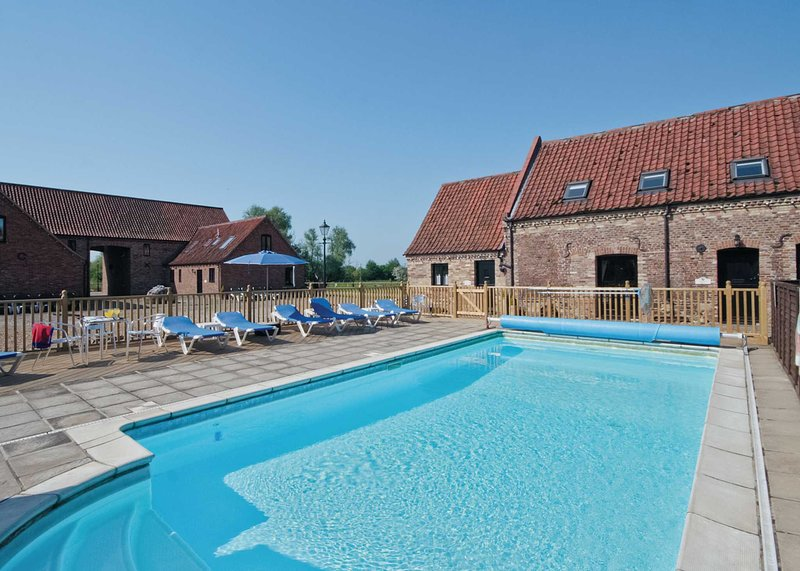 Pantiles Barn - E3866, holiday rental in Upwell