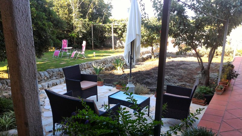 Spacious apartment with terrace, holiday rental in Cimilla