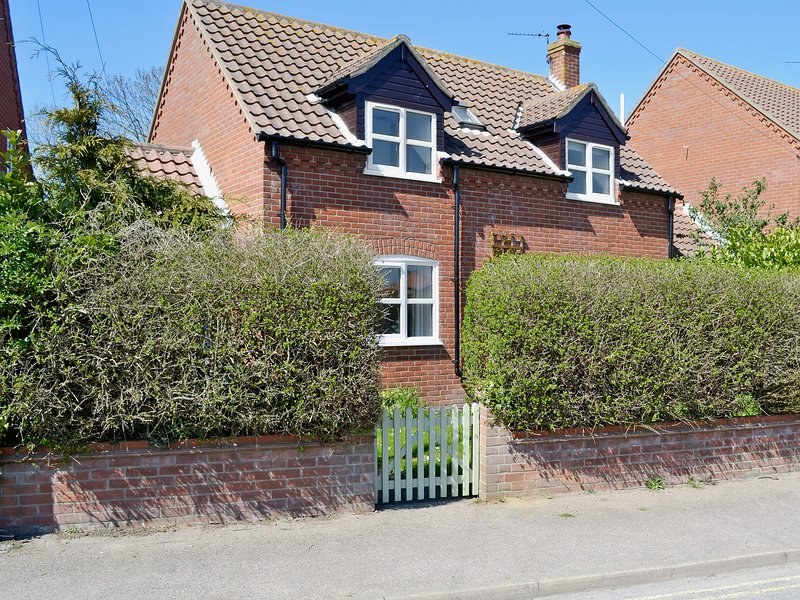 Dormouse Cottage, vacation rental in Hickling