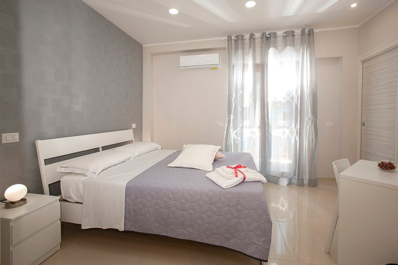 B&B Relax In Pompei - Room Rosa (MAX 2 OSPITI), alquiler vacacional en Angri