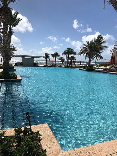 Loue appartement de luxe 6/8 personnes(DBC) refait à neuf aprés Irma., aluguéis de temporada em Quartier D'Orleans