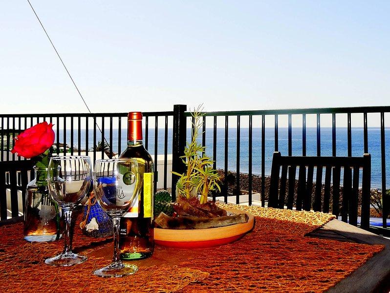 Apartamento el Pescaito con vista al mar en Playa Quemada, vacation rental in Puerto Calero