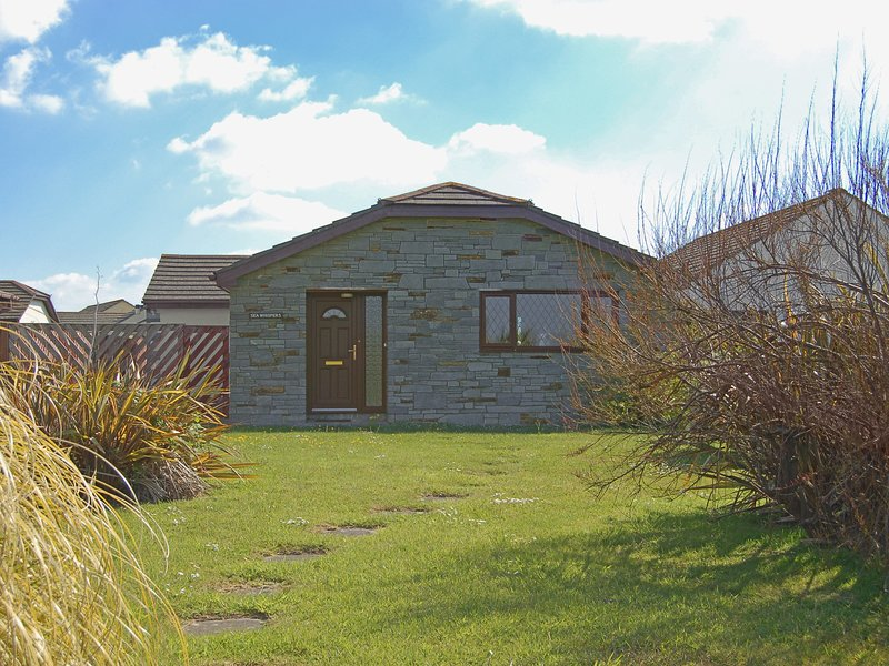 Sea Whispers, holiday rental in Treator