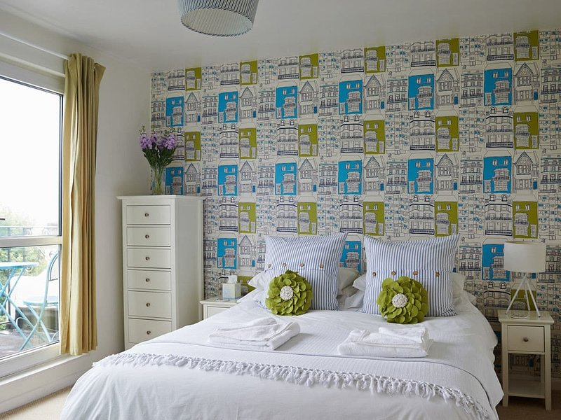 Roof Terrace Apartment, holiday rental in Shoreham-by-Sea