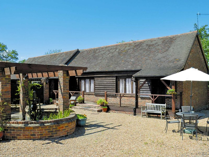 Quince Cottage - 27443, holiday rental in Robertsbridge