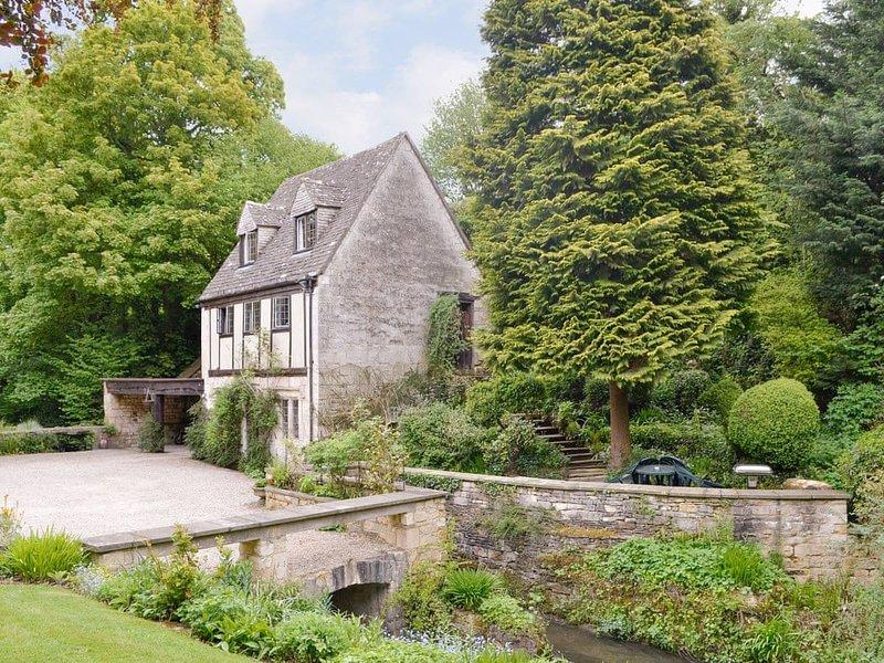 Capp Mill, holiday rental in Bisley