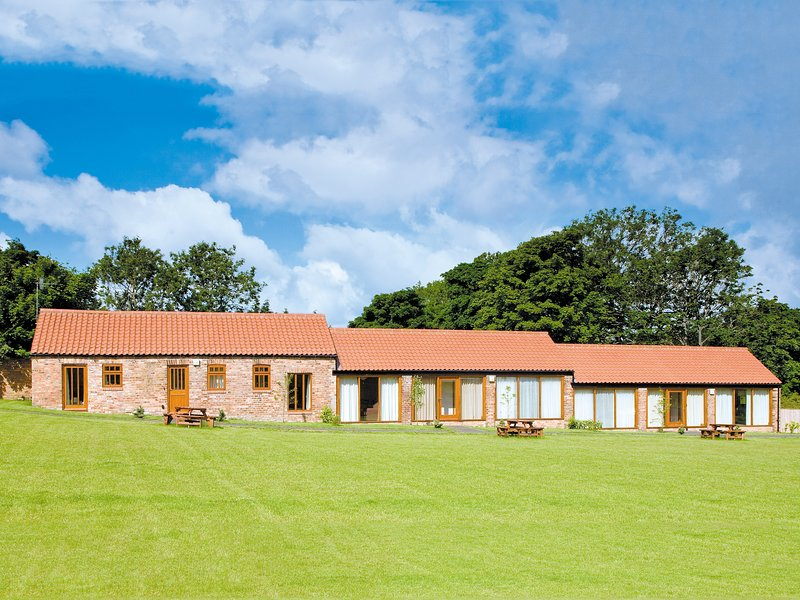 COBBLE COTTAGE - W41945, holiday rental in Staxton