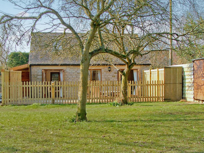 Dove Cottage, vacation rental in Ampney Crucis