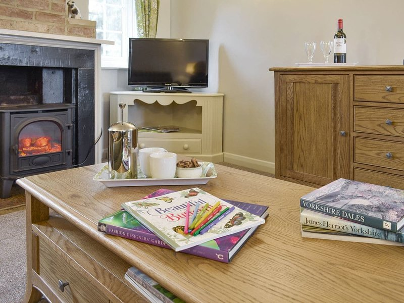 Manor House Cottage, holiday rental in Ainderby Quernhow