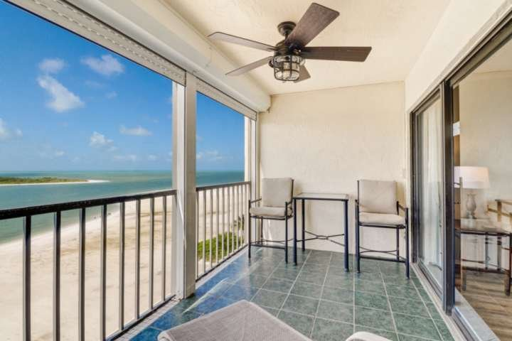Enjoy a spectacular view of Big Carlos Pass as it empties into the Gulf of Mexico from the 9th floor balcony.