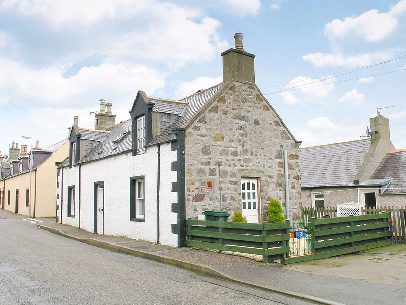 The Old Post Office, holiday rental in Deskford