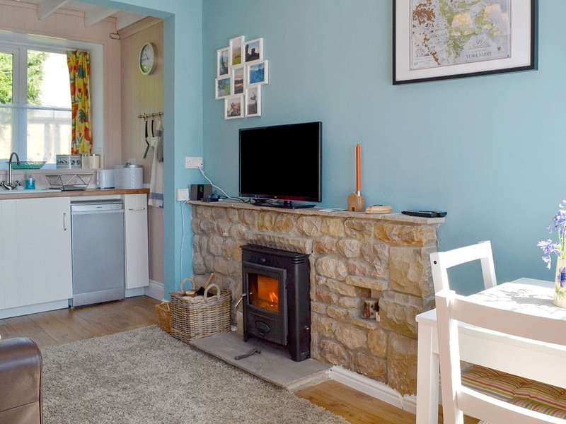 Crown Courtyard Cottage, holiday rental in Fearby