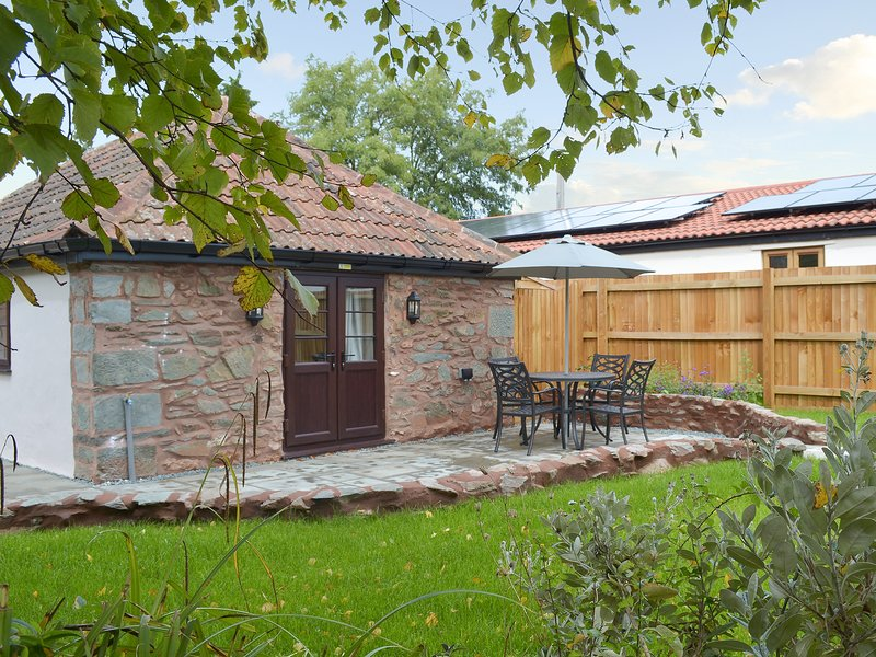Bluebell Cottage, holiday rental in Crowcombe