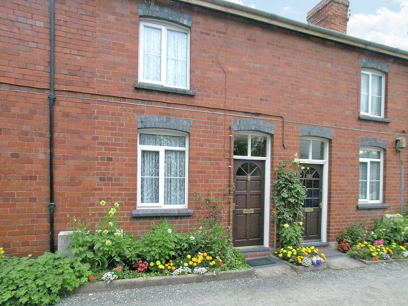 Cosilea Cottage, holiday rental in Kingswood
