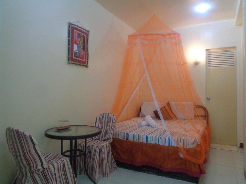 D' Lucky Garden Inn Budget Room 1, holiday rental in Puerto Princesa