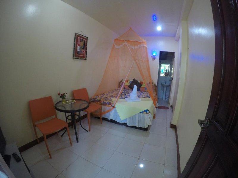 D' Lucky Garden Inn Budget Room 5, holiday rental in Puerto Princesa