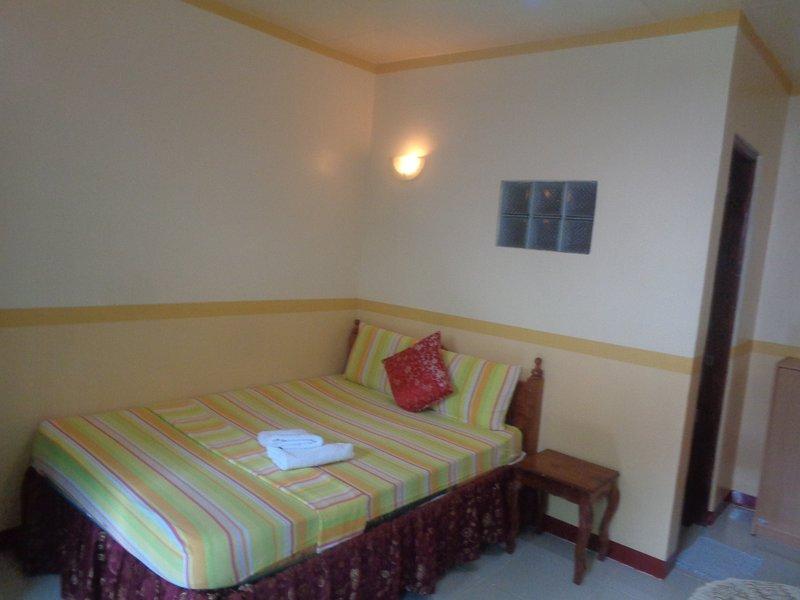 D' Lucky Garden Inn Budget Room 3, casa vacanza a Puerto Princesa