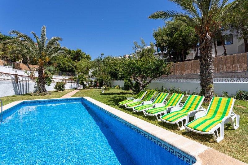 Villa Arantxa, Encantadora Villa con Piscina y Jardines ...