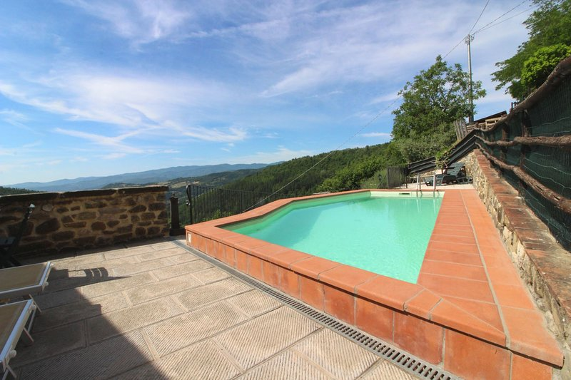 Papiano Villa Sleeps 7 with Pool - 5807326, holiday rental in Stia