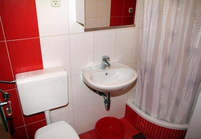 A4 (3 + 1): bagno con wc