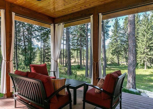 Private, Hot Tub, Fido OK w/Fenced 2 acres, WiFi, and more, holiday rental in Leavenworth